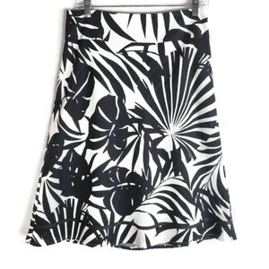 Cato Skirt Size 8 Black and white Abstract print